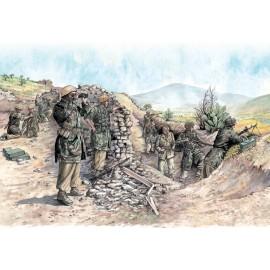 Italeri 1/72 WWII German Paratroopers (Tropical Uniform)