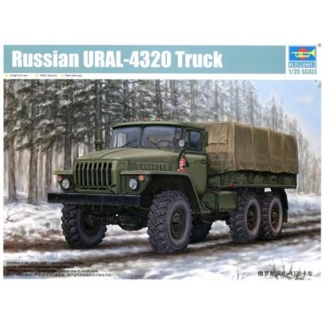 Trumpeter: Russian URAL-4320 in 1:35