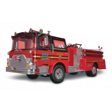 Revell: Mack Fire Pumper in 1:32