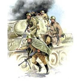 Zvezda Soviet Tank Infantry WWII