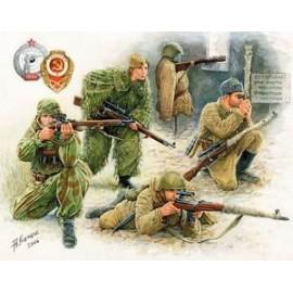 Zvezda 1/35 Soviet Sniper Team