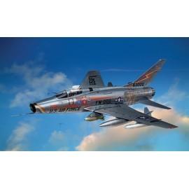 Italeri 1/72 F-100 D Super Sabre