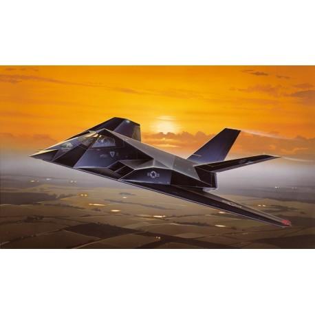 Italeri F-117 NIGHTHAWK