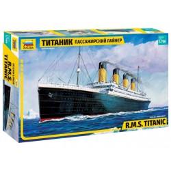 Zvezda 1/700 Titanic